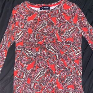 A half sleeve dress shirt
